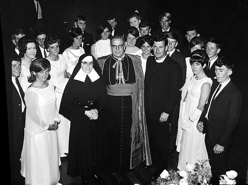 1960s - Students with Sr Paula and Br Cassin and Bishop Albert Thomas, Santa Maria Orange, Diocese of Bathurst