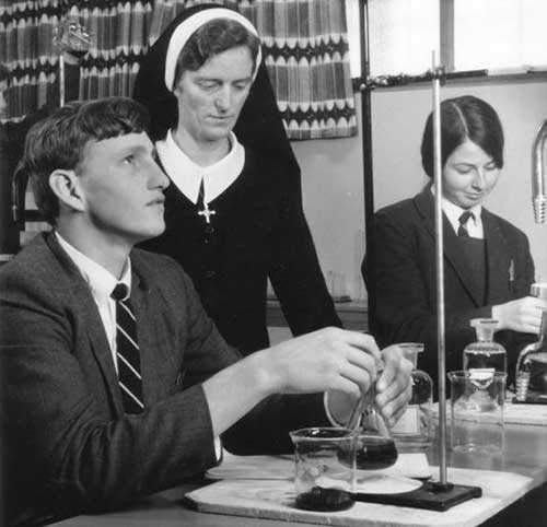 1970s - Sr Janice Ryder with students in Science lesson Diocese of Bathurst