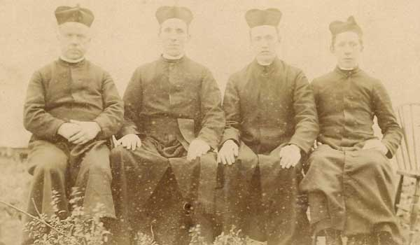 1885-Maitland, New South Wales, the earliest photo of Patrician Brothers in Australia