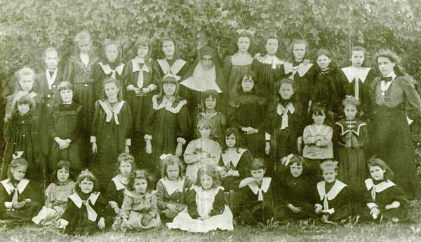 Students and Sisters of Mercy at St Brigid's School West Perth in 1899
