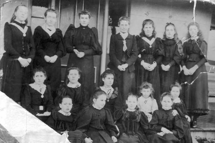 Students Moss Vale NSW 1893.